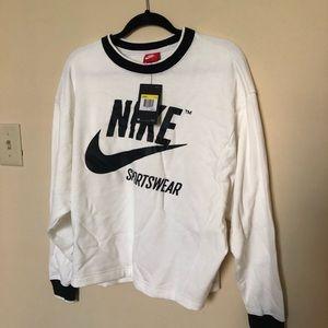 NIKE women's crew neck sweatshirt